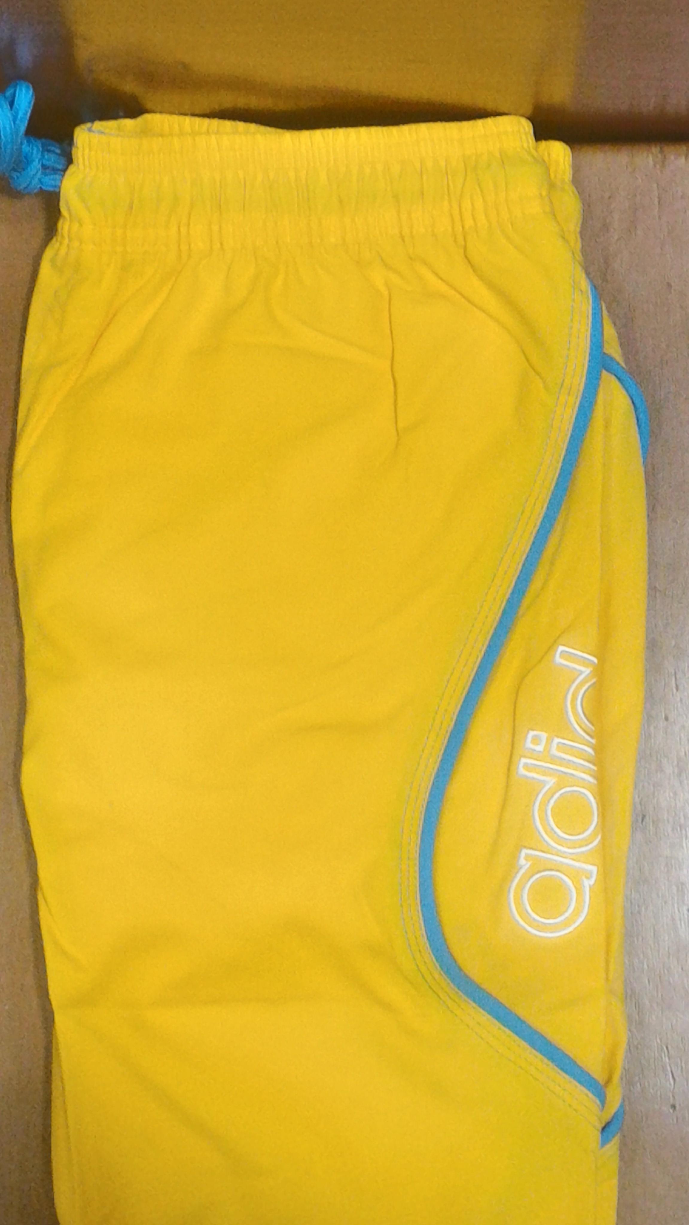adidas costume giallo